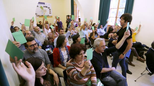 Una asamblea anterior de Ganemos Córdoba