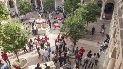 Patio de la Facultad de Derecho de Córdoba
