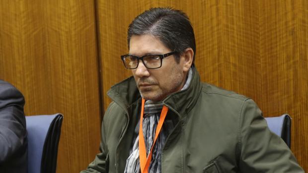 José Sivianes, durante su comparecencia en el Parlamento