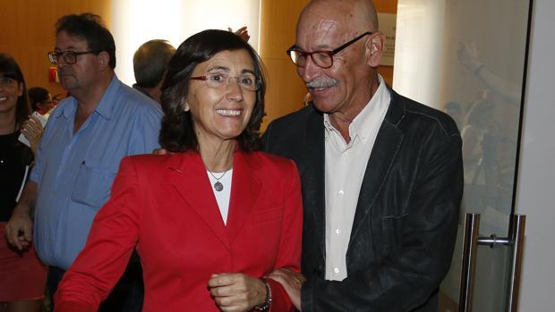 La consejera Rosa Aguilar con Pablo Juliá, ayer en el CAF de Almería