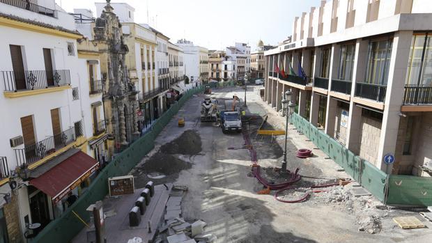 Obras en la calle Capitulares de Córdoba