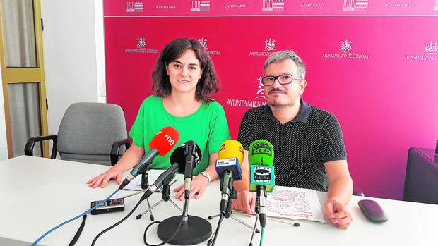 Los concejales Aguilera y De los Ríos, durante la comparecencia de ayer