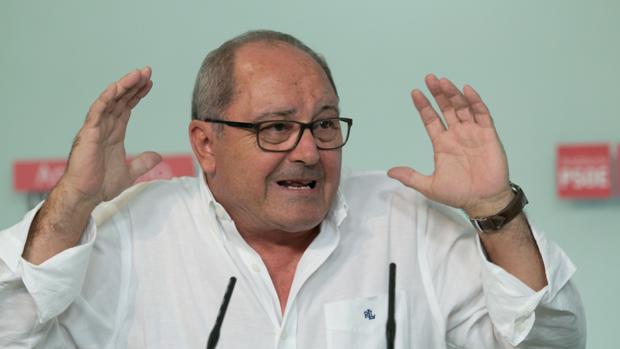 Juan Cornejo, en la rueda de prensa de este lunes