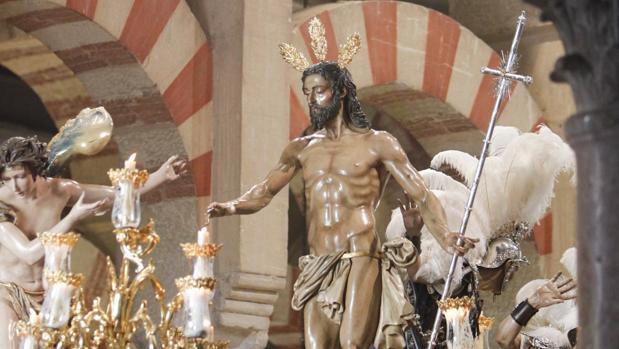 El Resucitado, a su paso por la Catedral