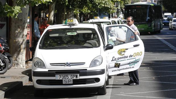 Una parada de taxis en Córdoba