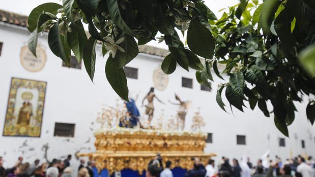Cristo Resucitado saliendo de la plaza de Santa Marina