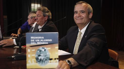 Antonio Varo, con sus «Memoria de un alumno del Séneca»