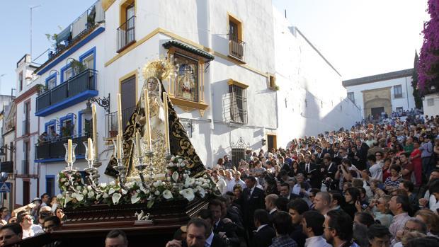 Nuestra Señora de los Dolores, a su paso por la Cuesta del Bailío