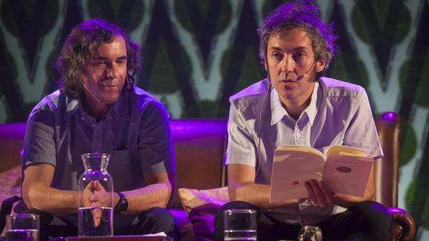 Mircea Cartarescu y el poeta Carlos Pardo, ayer en Cosmopoética