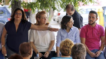 Ángeles y Cristian Muñoz junto a Inmaculada Durán y Rosa Aguilar
