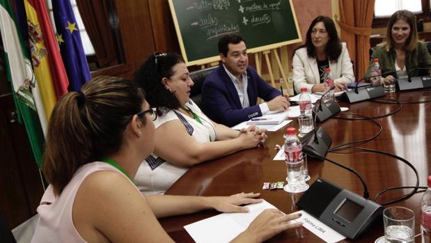 Reunión de los populares andaluces con la Plataforma Andaluza de Defensa de la Educación Pública