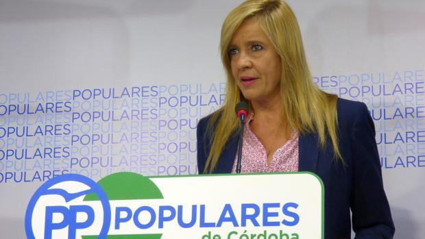Rosario Alarcón en la sede del PP de Córdoba