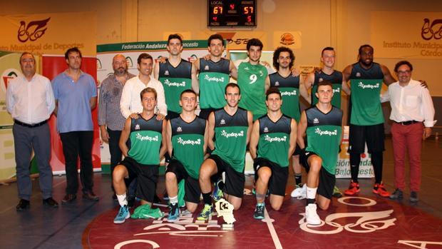 La plantilla del Cordobasket, tras ganar la Copa Diputación