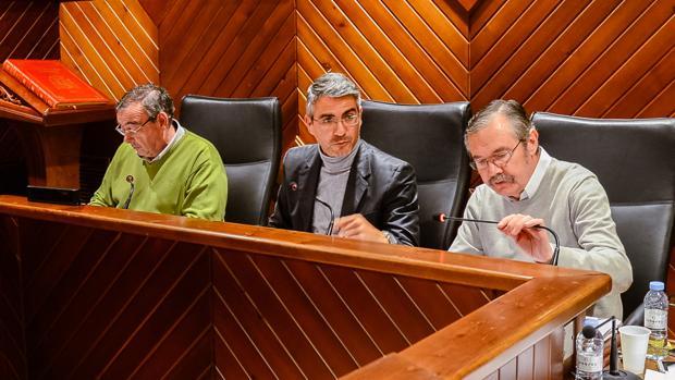 Emiliano Pozuelo, en el centro de la imagen, alcalde de Pozoblanco