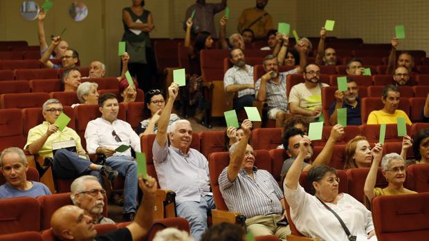 Votación en la última asamblea de Ganemos Córdoba