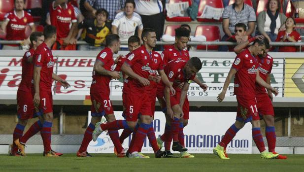 El Numancia celebra un gol ante el Real Zaragoza