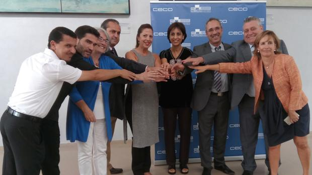 Participantes en la firma del convenio sobre certificación Halal