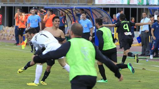 Festejo del gol del ascenso en Gran Canaria