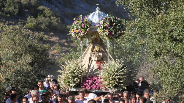 La Virgen de la Sierra camino a su ermita