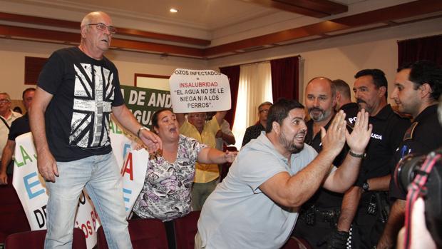 Última protesta en el Pleno de Córdoba a cargo de parcelistas