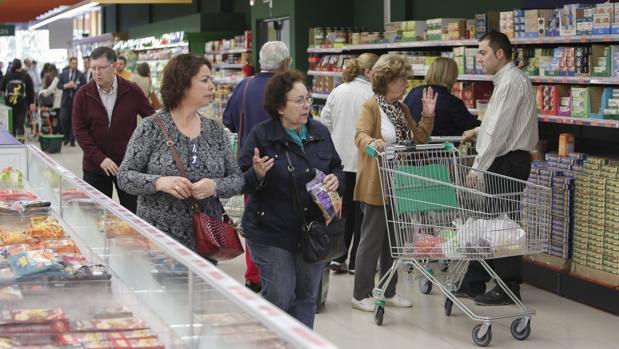 Andalucía obligará a los supermercados a donar los excedentes de alimentos