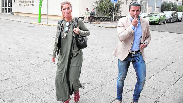 Juana Martín a su llegada a los Juzgados de Córdoba ayer