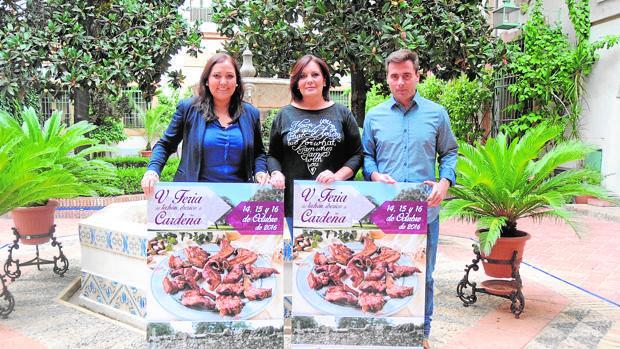 Responsables institucionales durante la presentación de la Feria del Lechón en Córdoba