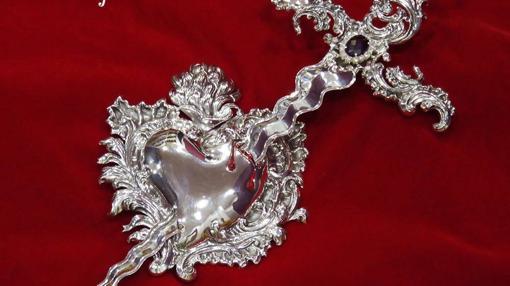Nuevo corazón y puñal de plata de la Virgen del Mayor Dolor