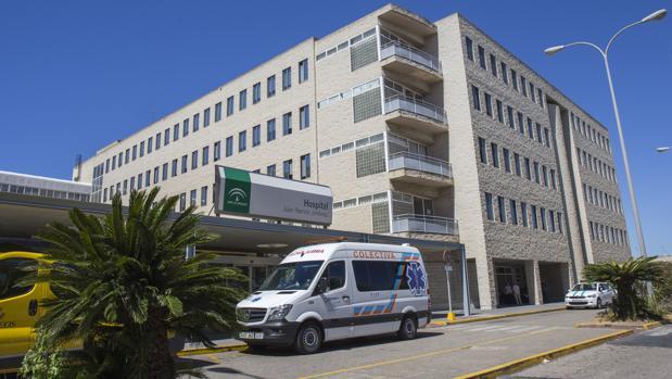 Dimite el gerente del hospital investigado por la Fiscalía por las listas de espera