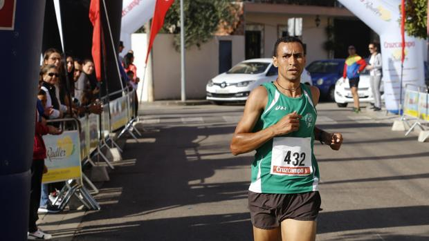 Ismail Serroukh cruza la línea de meta