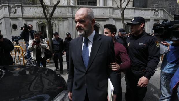 Manuel Chaves, a su salida del Supremo tras declarar por el caso ERE
