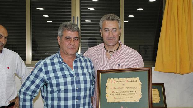 Juanma López, a la derecha, se está recuperando