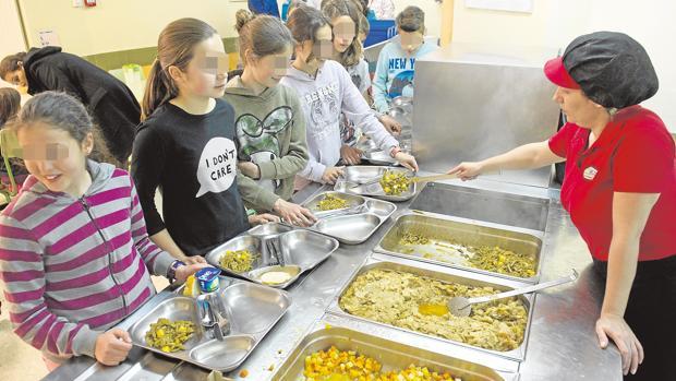 Aluvión de quejas por la escasez de plazas en los comedores escolares