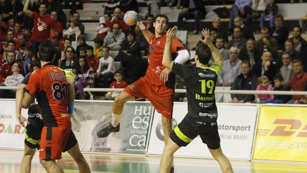 Carlos Molona, durante su etapa como jugador del Huesca
