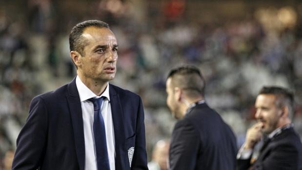 El entrenador del Córdoba CF, José Luis Oltra, en El Arcángel