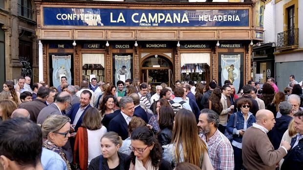 Concentración en La Campana