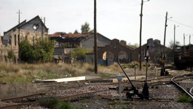 Vías de tren a su paso por la localidad de Peñarroya-Pueblonuevo
