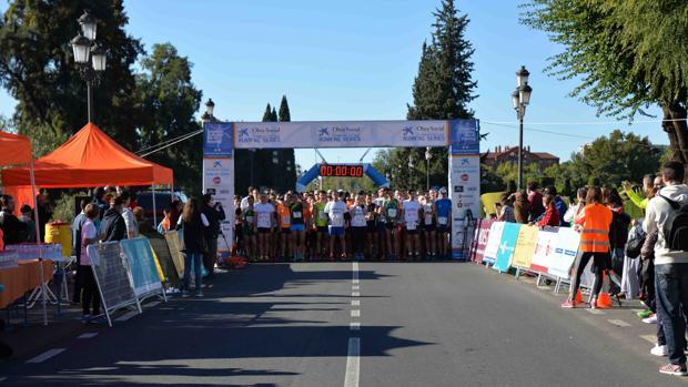 Momentos de la salida de la carrera este domingo en Córdoba