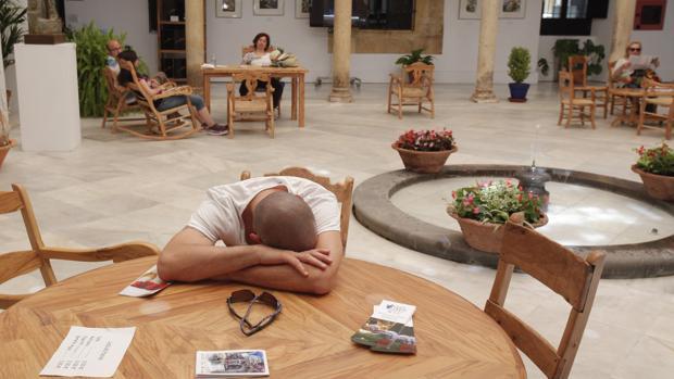 A pesar de lo que se cree en España se duerme poco después de comer