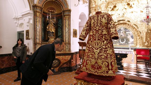 Presentación de la túnica del Señor de la Sentencia VALERIO MERINO