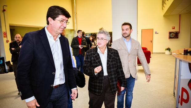 El dirigente de Ciudadanos Juan Marín en las instalaciones de la cooperativa Covap