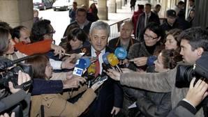 La Junta quiere asumir la defensa del exconsejero Vallejo en el caso Invercaria