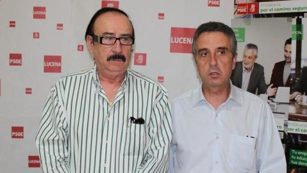 El alcalde de Lucena y líder del PSOE local, Juan Pérez, con el exsecretario de Organización, Antonio Sánchez Villatoro