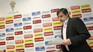 Las ratificaciones envenenadas de Carlos González a sus entrenadores