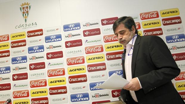 Carlos González en la sala de prensa de El Arcángel