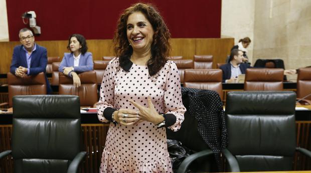 La consejera de Hacienda, María Jesús Montero, este miércoles en el Parlamento