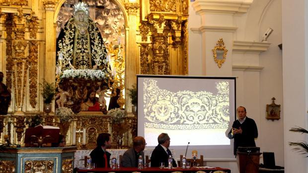 Jesús Rosado explica los trabajos de restauración