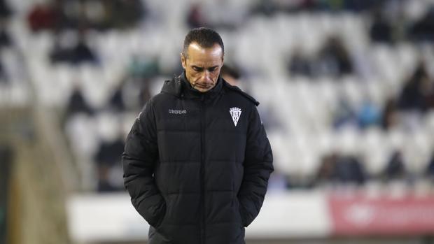 José Luis Oltra durante el Córdoba-Mallorca