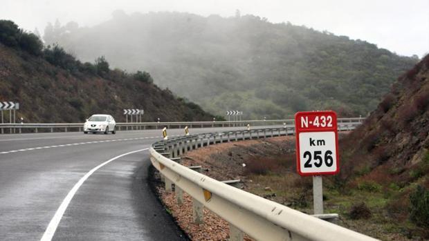 Tramo de la carretera que llega de El Muriano muy cercano al lugar del siniestro