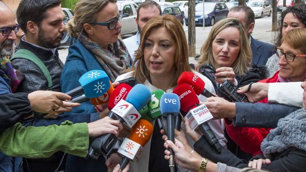 Susana Díaz, reclamada por los Medios en una reciente convocatoria en Sevilla